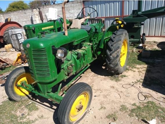 Tractor John Deere 445