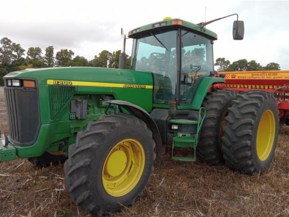 Tractor John Deere 8200 Año 1996
