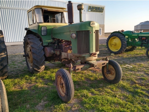 Tractor John Deere Mod. 730
