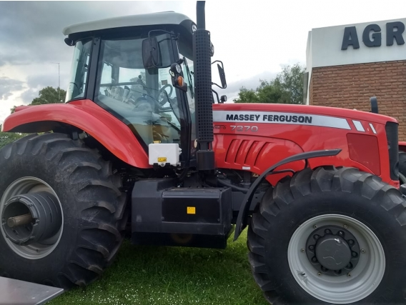 Tractor Massey Ferguson 7370