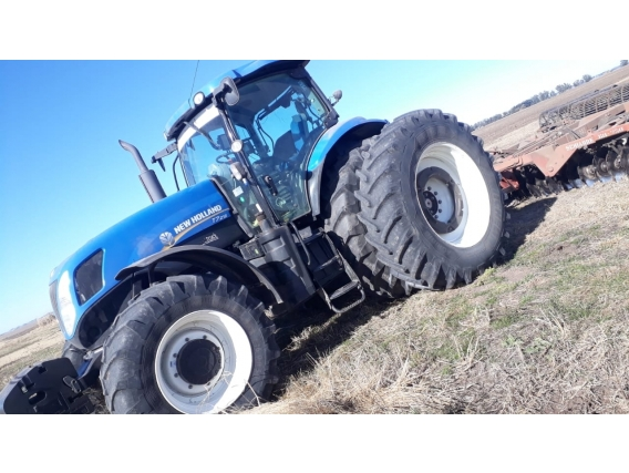 Tractor New Holland T7215 Año 2016