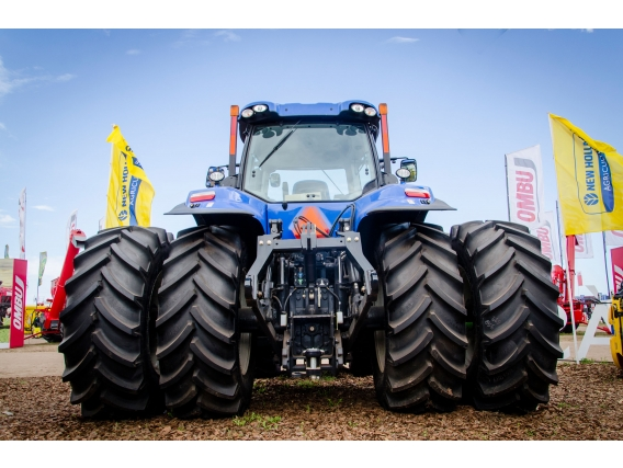 Tractor New Holland T8.320