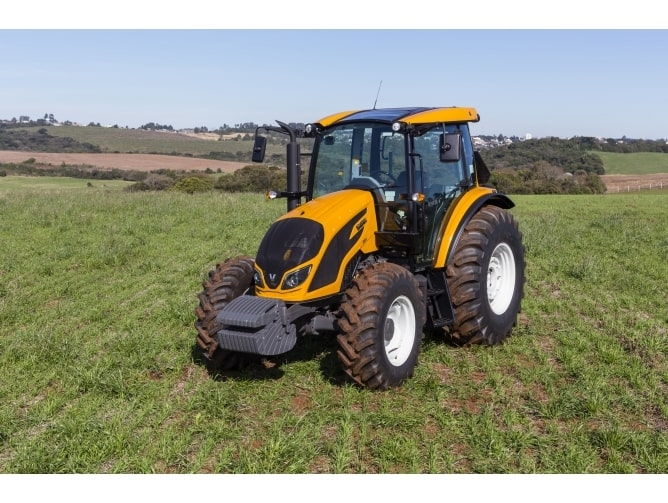 Tractor Valtra A990