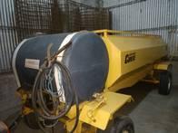 Acoplado Cisterna 3000 Litros Con Baulera Y Bomba