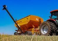 Acoplado tolva para semillas y fertilizantes 17.500 kg.