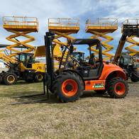 Autoelevador 4X4 Todo Terreno 2500Kg Triple Torre Ausa