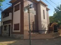 Casa En Venta. Galvez. Mitre Y Alberdi. Muy Buen Estado