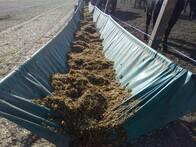 Comederos para ganado bovino de tela vinílica