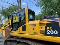 Excavadora Pc200