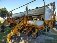 Sembradora Cele Plus 7000 12 A 52.5 Con Doble Fertiliz.