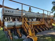 Sembradora Cele Plus 7000 12 A 52.5 Con Doble Fertiliz.