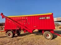 Tolva Para Semilla Y Fertilizante Akron 22Tn, Usada